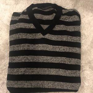 Sean John men's v neck sweater